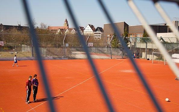Sportzentrum mit Sporthalle und Hallenbad